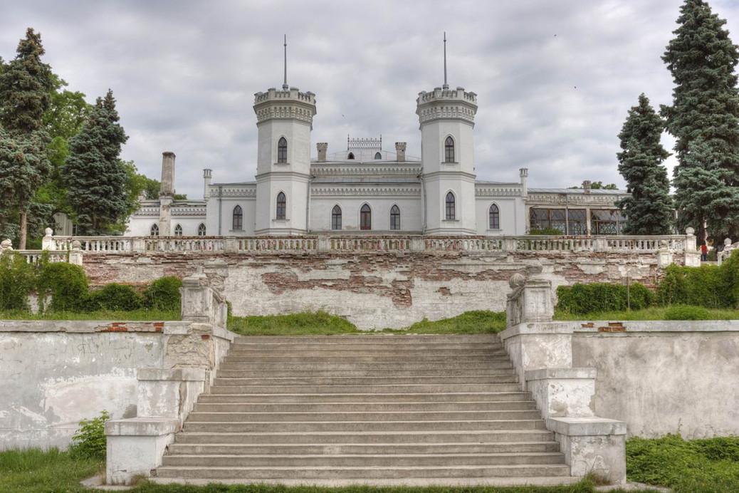 Дворцовый комплекс в Шаровке