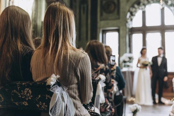 Первый поцелуй на венчании - фото №43