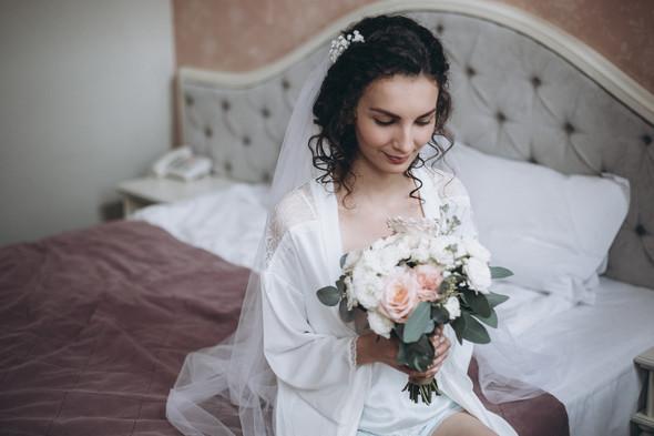 Первый поцелуй на венчании - фото №9