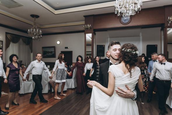 Первый поцелуй на венчании - фото №111