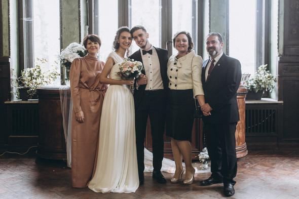 Первый поцелуй на венчании - фото №58