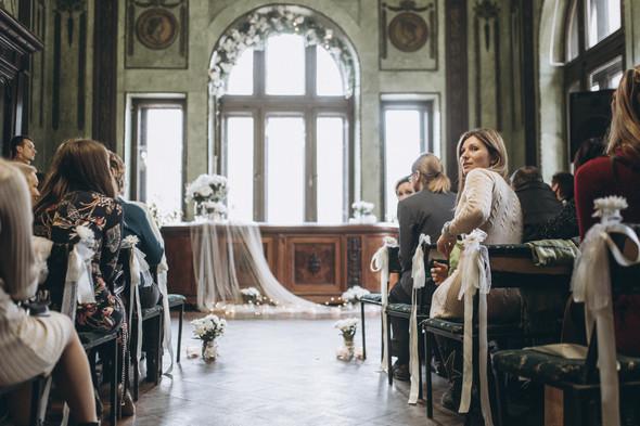 Первый поцелуй на венчании - фото №30