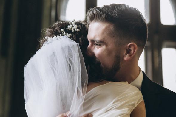 Первый поцелуй на венчании - фото №50