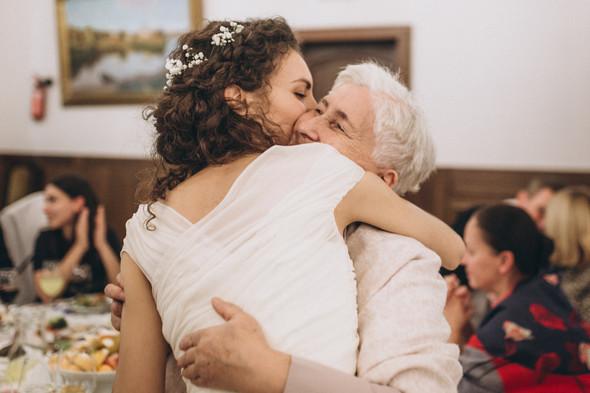 Первый поцелуй на венчании - фото №104