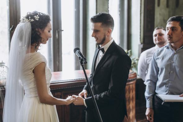 Первый поцелуй на венчании - фото №46