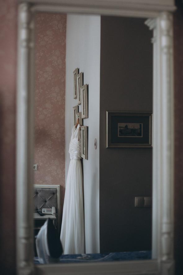 Первый поцелуй на венчании - фото №13