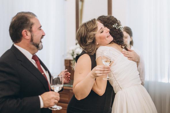 Первый поцелуй на венчании - фото №98