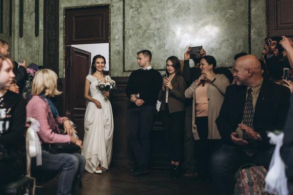 Первый поцелуй на венчании - фото №38