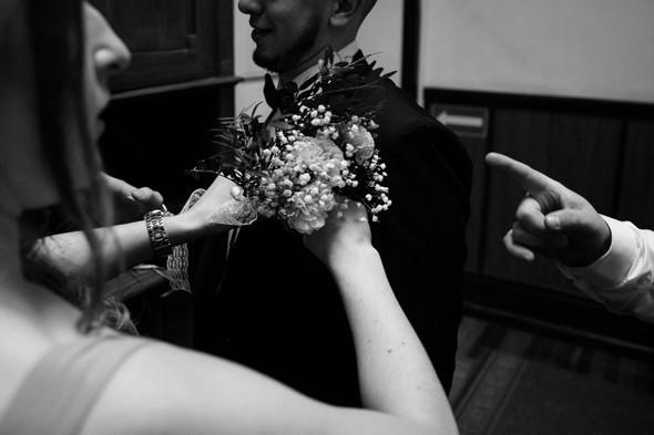 Первый поцелуй на венчании - фото №20
