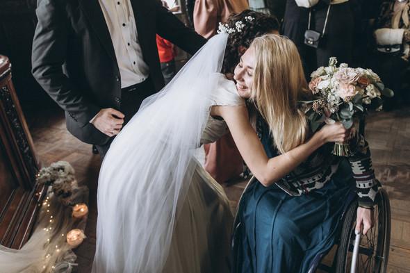 Первый поцелуй на венчании - фото №59