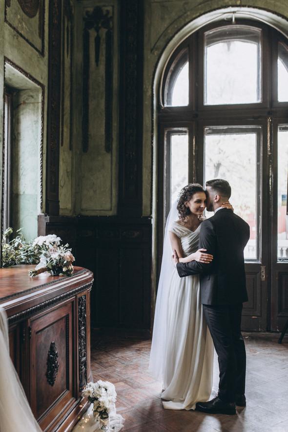 Первый поцелуй на венчании - фото №68