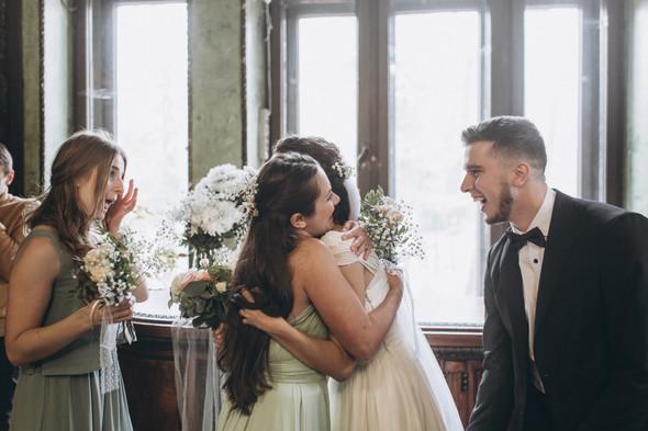 Первый поцелуй на венчании - фото №52