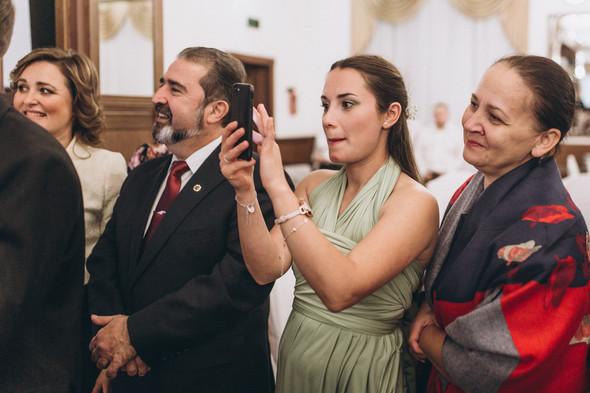 Первый поцелуй на венчании - фото №96
