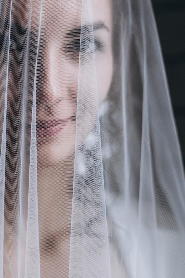 Первый поцелуй на венчании - фото №11