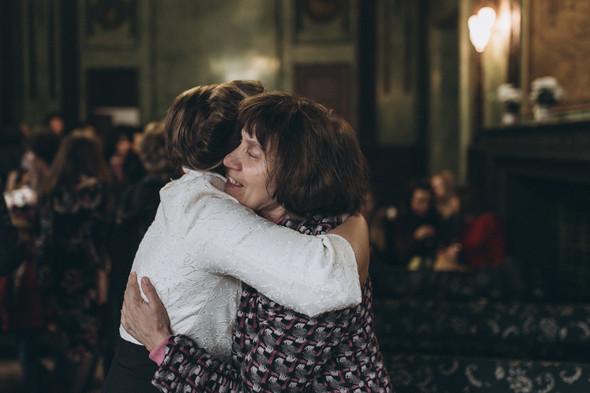Первый поцелуй на венчании - фото №26