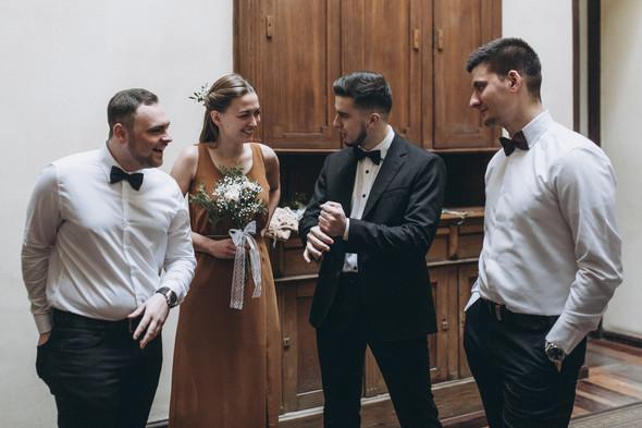 Первый поцелуй на венчании - фото №22