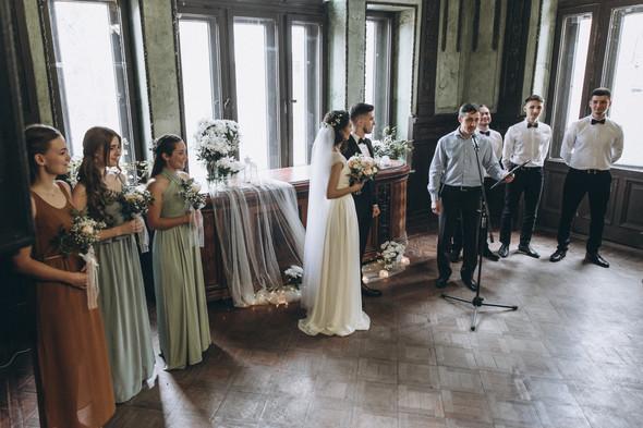 Первый поцелуй на венчании - фото №42