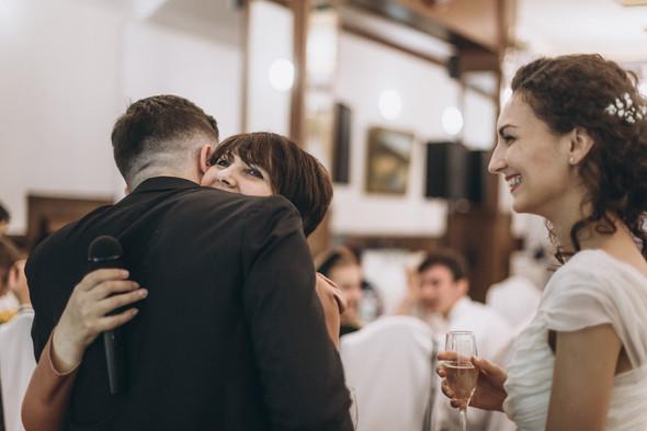 Первый поцелуй на венчании - фото №100