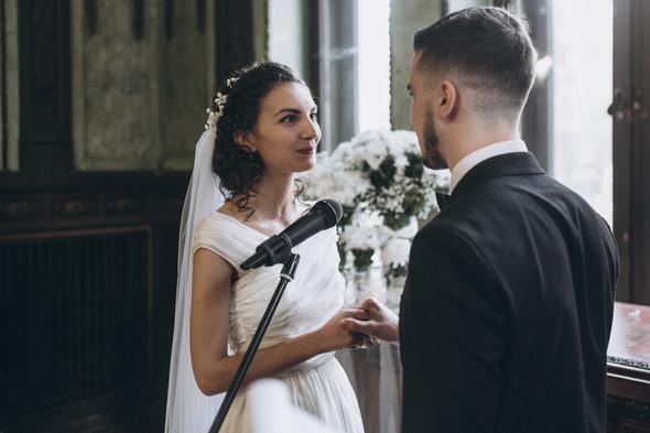 Первый поцелуй на венчании - фото №48