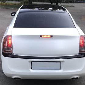 CHRYSLER 300C NEW - авто на свадьбу в Киеве - портфолио 4