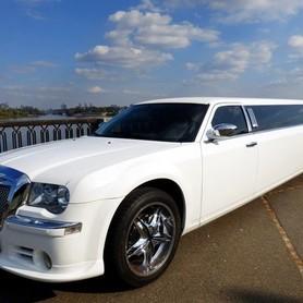 008 Лимузин Chrysler 300C Bentley Style - авто на свадьбу в Киеве - портфолио 1