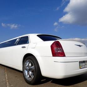 008 Лимузин Chrysler 300C Bentley Style - авто на свадьбу в Киеве - портфолио 4