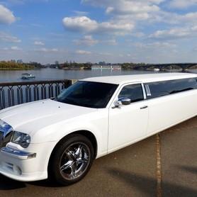 008 Лимузин Chrysler 300C Bentley Style - авто на свадьбу в Киеве - портфолио 2