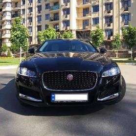 122 Jaguar XF черный 2017 - авто на свадьбу в Киеве - портфолио 2
