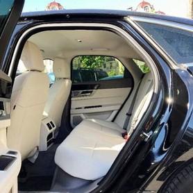 122 Jaguar XF черный 2017 - авто на свадьбу в Киеве - портфолио 5