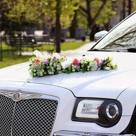 125 Chrysler 300C черно-белый - авто на свадьбу в Киеве - портфолио 3