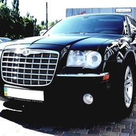 136 Chrysler 300C черный аренда - авто на свадьбу в Киеве - портфолио 1