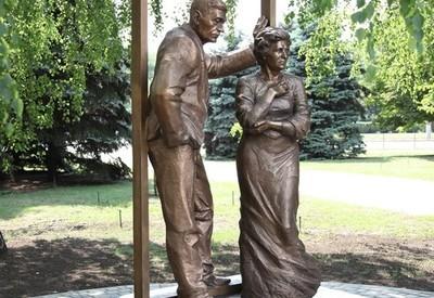 Памятник родителям - место для фотосессии в Кривом Роге - портфолио 4