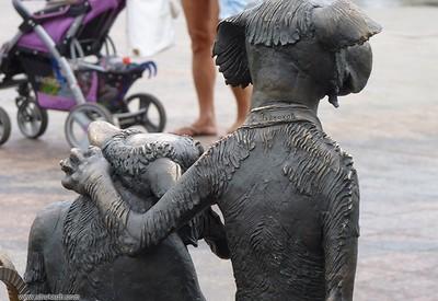 Скульптура Друг - место для фотосессии в Кривом Роге - портфолио 6