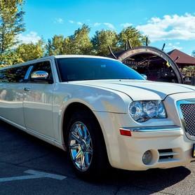 Лимузин Крайслер 300С Versace - авто на свадьбу в Днепре - портфолио 4
