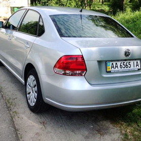 184 Volkswagen Polo седан - авто на свадьбу в Киеве - портфолио 5