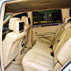 Mercedes GL550 - авто на свадьбу в Виннице - портфолио 5