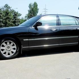 Lincoln Town Car Sedan - авто на свадьбу в Николаеве - портфолио 2