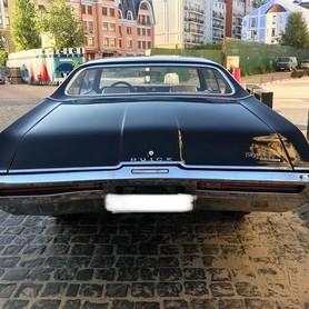 212 Buick Skylark Custom - авто на свадьбу в Киеве - портфолио 5