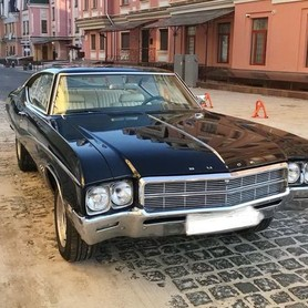 212 Buick Skylark Custom - авто на свадьбу в Киеве - портфолио 3