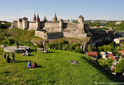 Старая крепость-замок - фото 1