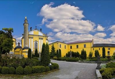 Петропавловский кафедральный костел - фото 1