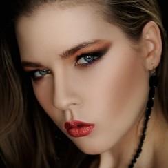 Ирина Анженко-Ждамарова - стилист, визажист в Харькове - фото 1
