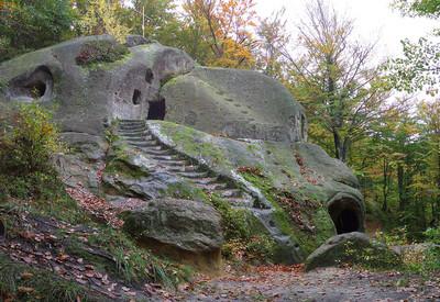 Скальный монастырь в Розгирче - место для фотосессии в Львовской области - портфолио 6