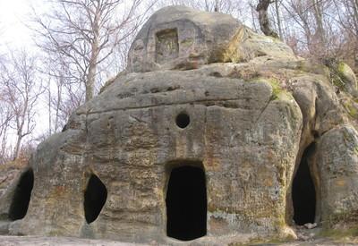 Скальный монастырь в Розгирче - место для фотосессии в Львовской области - портфолио 1