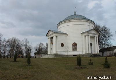 Храм-ротонда в Лебедевке - место для фотосессии в Черкасской области - портфолио 6