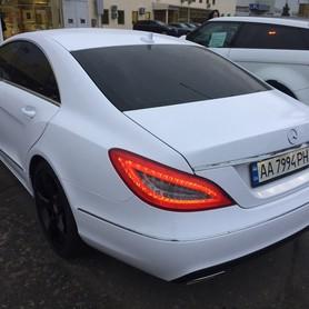 Mercedes CLS 6,3 AMG white - авто на свадьбу в Киеве - портфолио 5