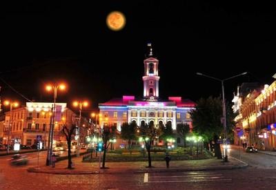 Площадь Рынок - место для фотосессии в Черновцах - портфолио 2