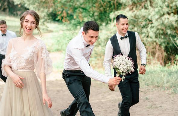 Нежная рустик-свадьба в лесу - фото №128