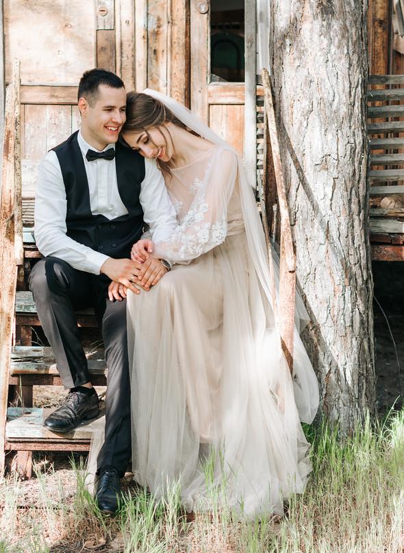 Нежная рустик-свадьба в лесу - фото №99