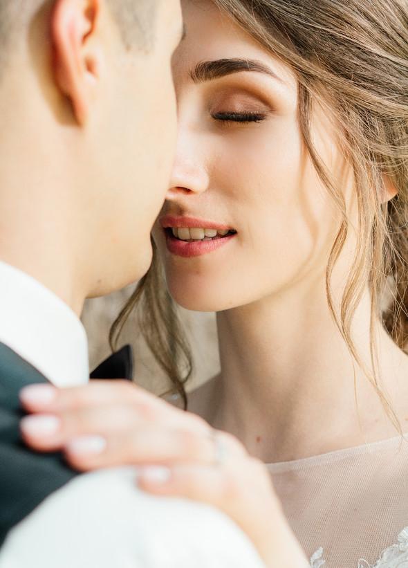 Нежная рустик-свадьба в лесу - фото №95